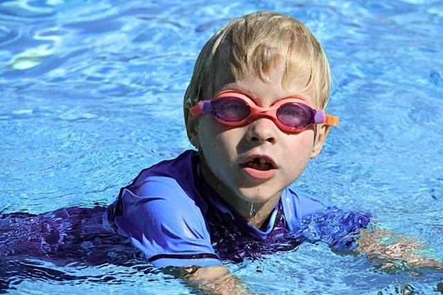 swimming-286215_960_720-e1521574608742