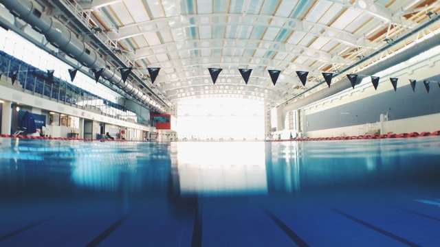 5 Things to Consider Before Choosing a Swimming School